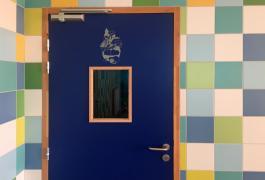 Restaurant haut en couleur pour le groupe scolaire d'Epron (14)