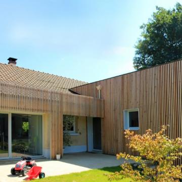 Extension contemporaine d'un pavillon à Bourdainville (76)